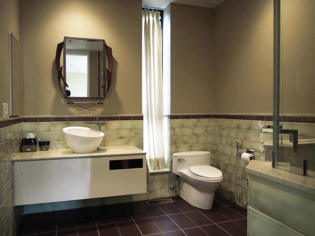 Modern Home in Purchase, En Suite Bathroom 01