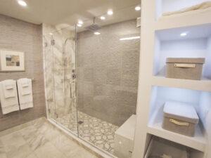 White Plains Cityscape, Master Bathroom